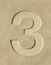 Chiffre 3 b